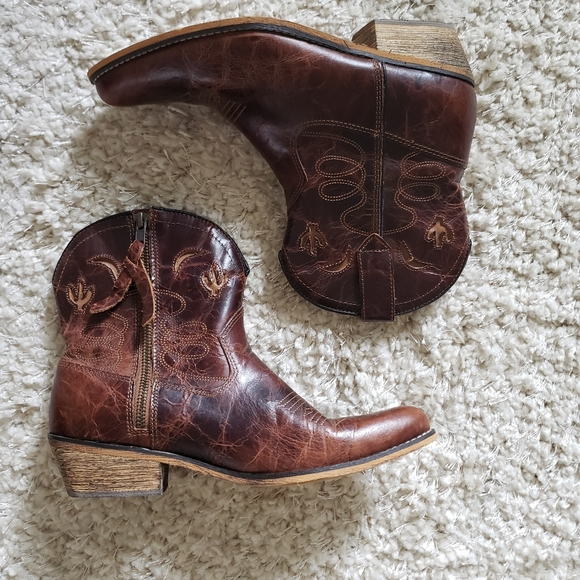 Women/'s slide on shoes Women/'s western shoes Women/'s leather Dingo shoes Women/'s size 7 shoes Brown leather shoes,Cowgirl shoes